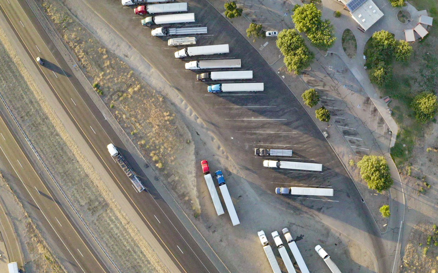 Benefits of GPS trailer tracking
